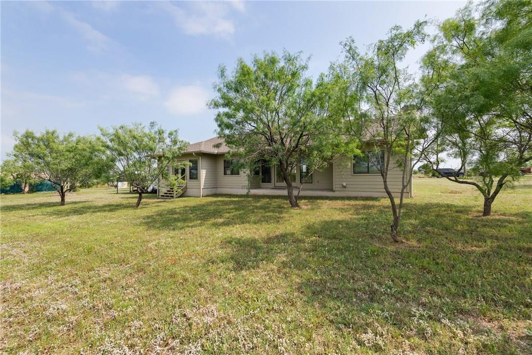 Closed   237 N Paleface Ranch Road Spicewood, TX 78669 27