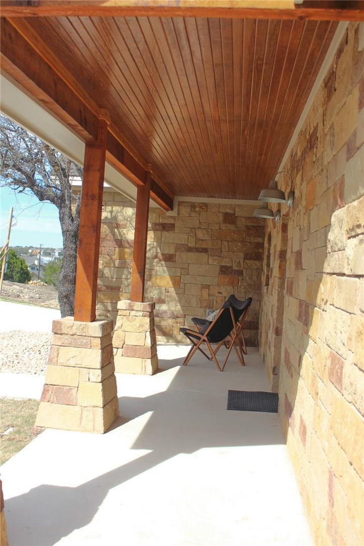 Closed   10611 Creekwood Circle Dripping Springs, TX 78620 8
