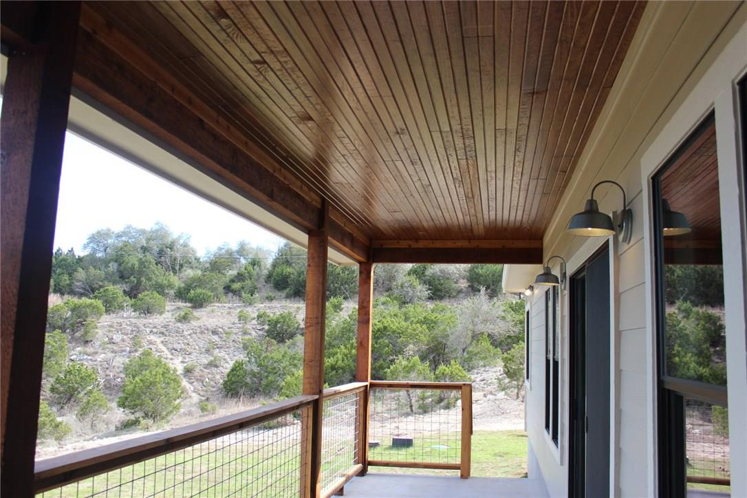 Closed   10611 Creekwood Circle Dripping Springs, TX 78620 27