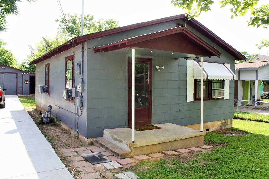 Closed   1709 Deloney Street Austin, TX 78721 2