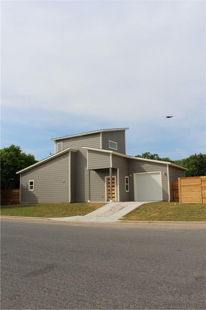 Closed | 7600 Carver Avenue #B Austin, TX 78752 2