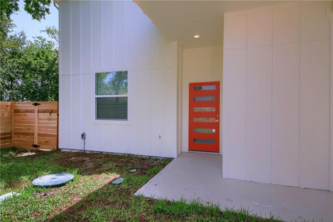 Closed | 6913 Providence Avenue #B Austin, TX 78752 3