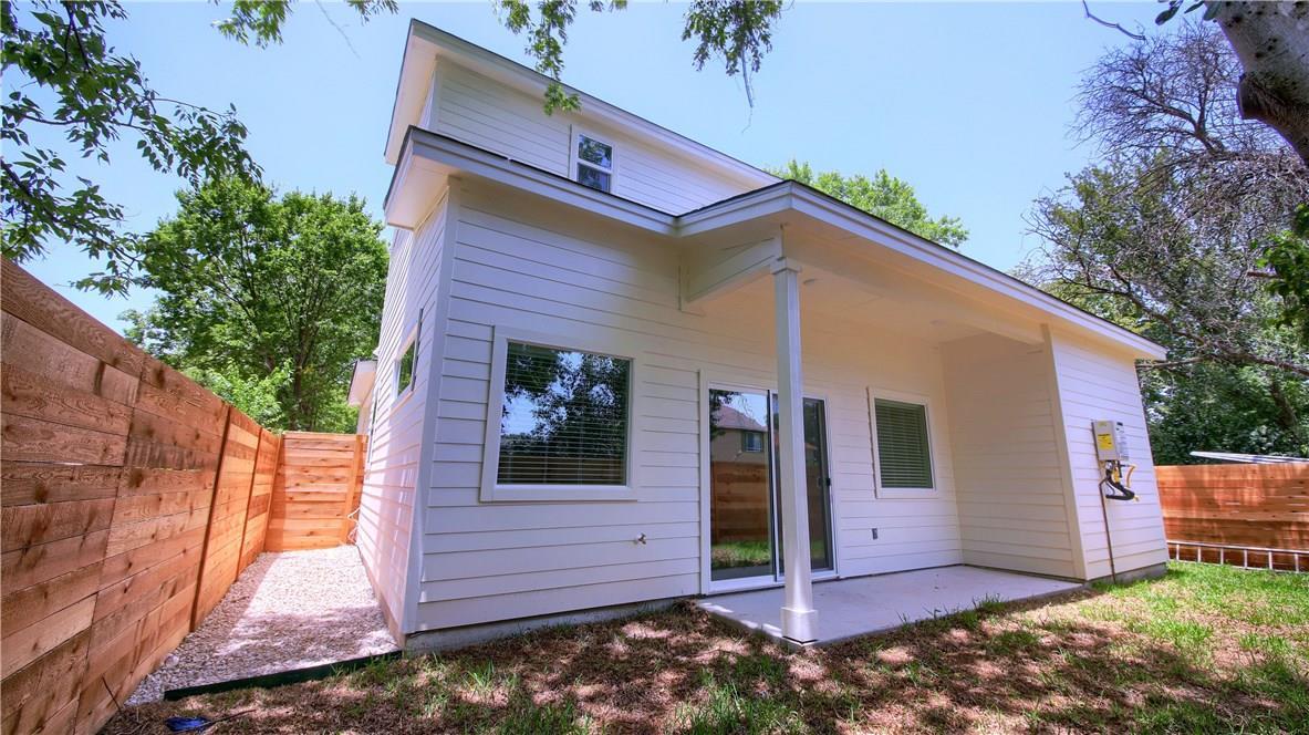 Closed | 6913 Providence Avenue #B Austin, TX 78752 32