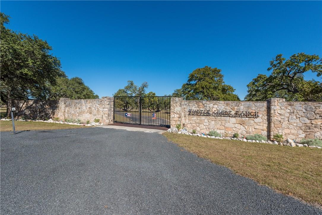 Closed | 225 Hugo Real Road Kerrville, TX 78028 38
