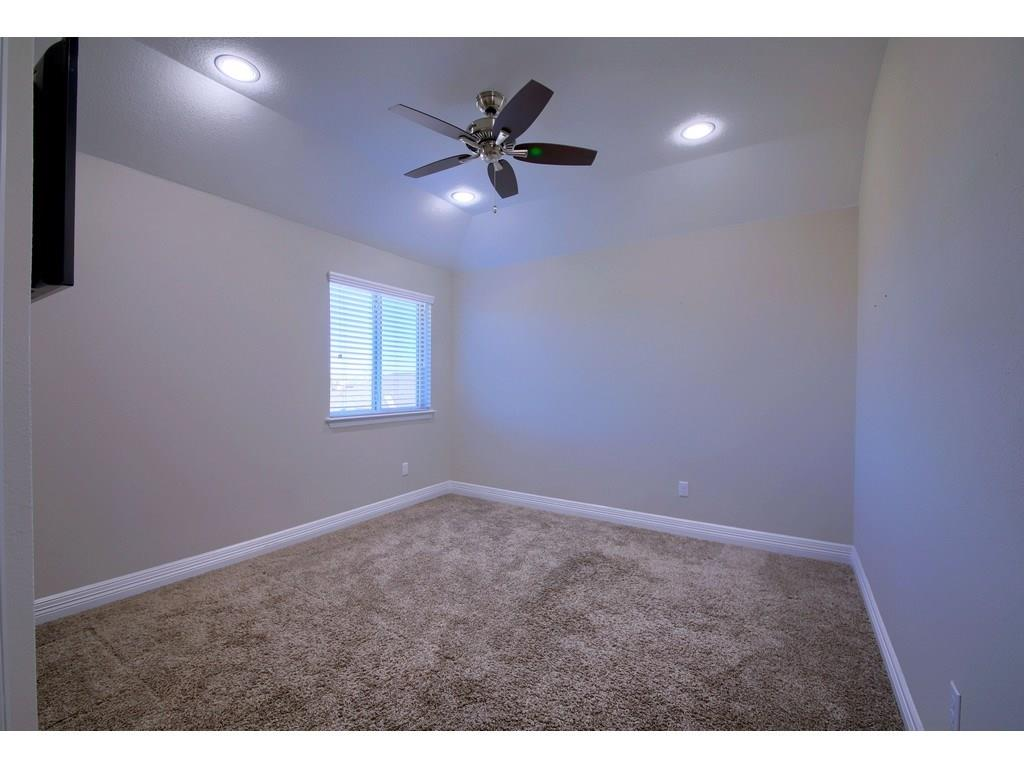 Closed   18001 Monarch Butterfly Way Pflugerville, TX 78660 34