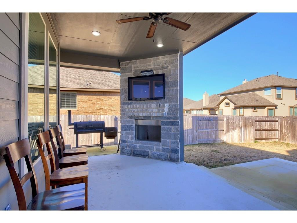 Closed   18001 Monarch Butterfly Way Pflugerville, TX 78660 35