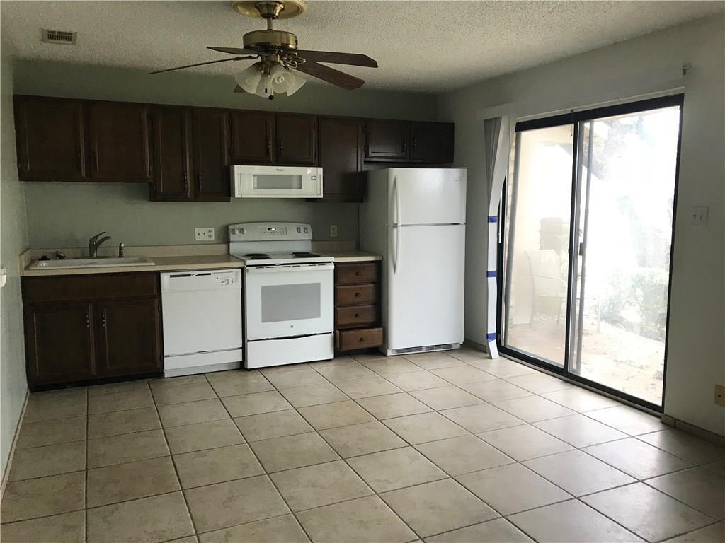 Closed | 21013 Highland Lake Drive #H-72 Lago Vista, TX 78645 2