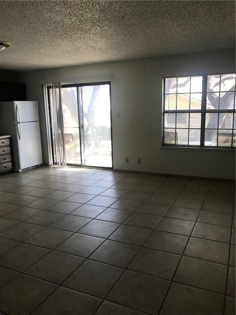 Closed | 21013 Highland Lake Drive #H-72 Lago Vista, TX 78645 3