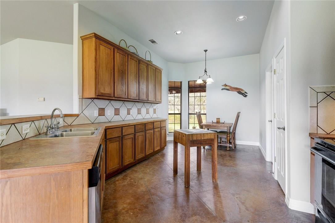 Closed | 136 Thoroughbred Trace Liberty Hill, TX 78642 12