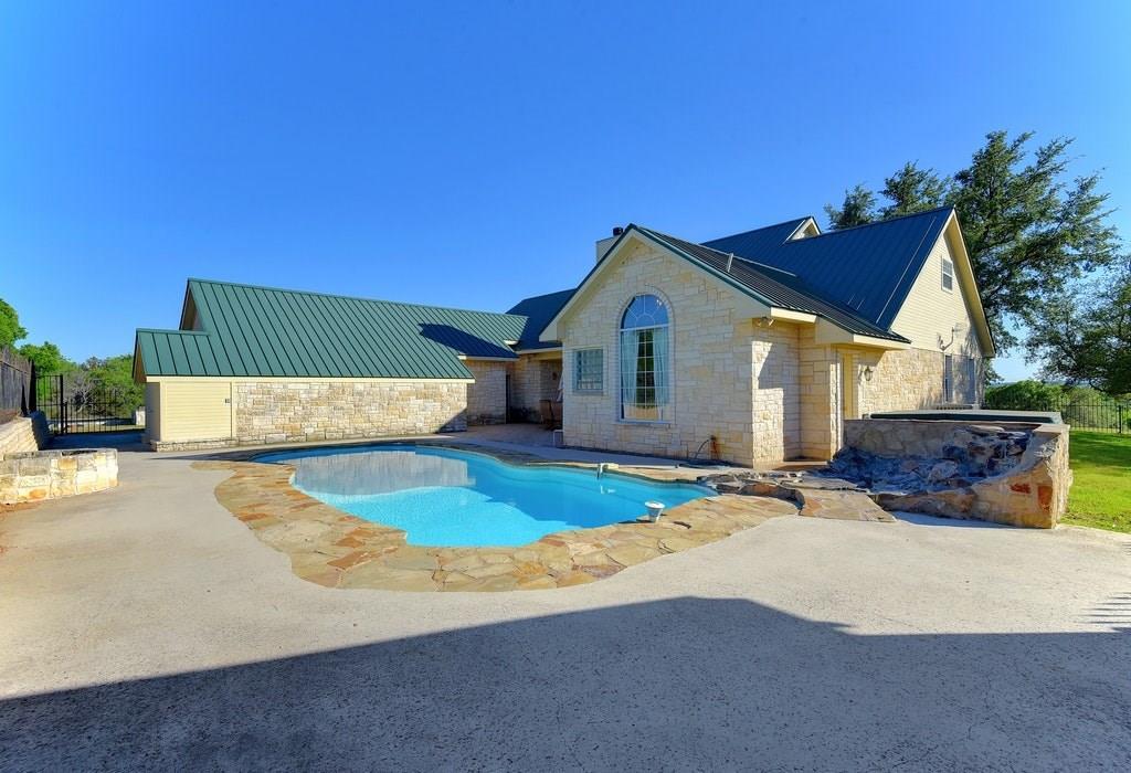 Closed | 3050 Ranch Road 2233 Sunrise Beach, TX 78643 2