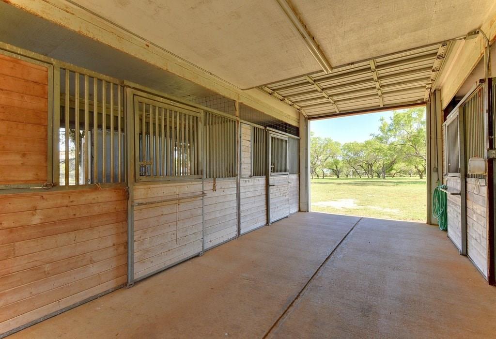 Closed | 3050 Ranch Road 2233 Sunrise Beach, TX 78643 18