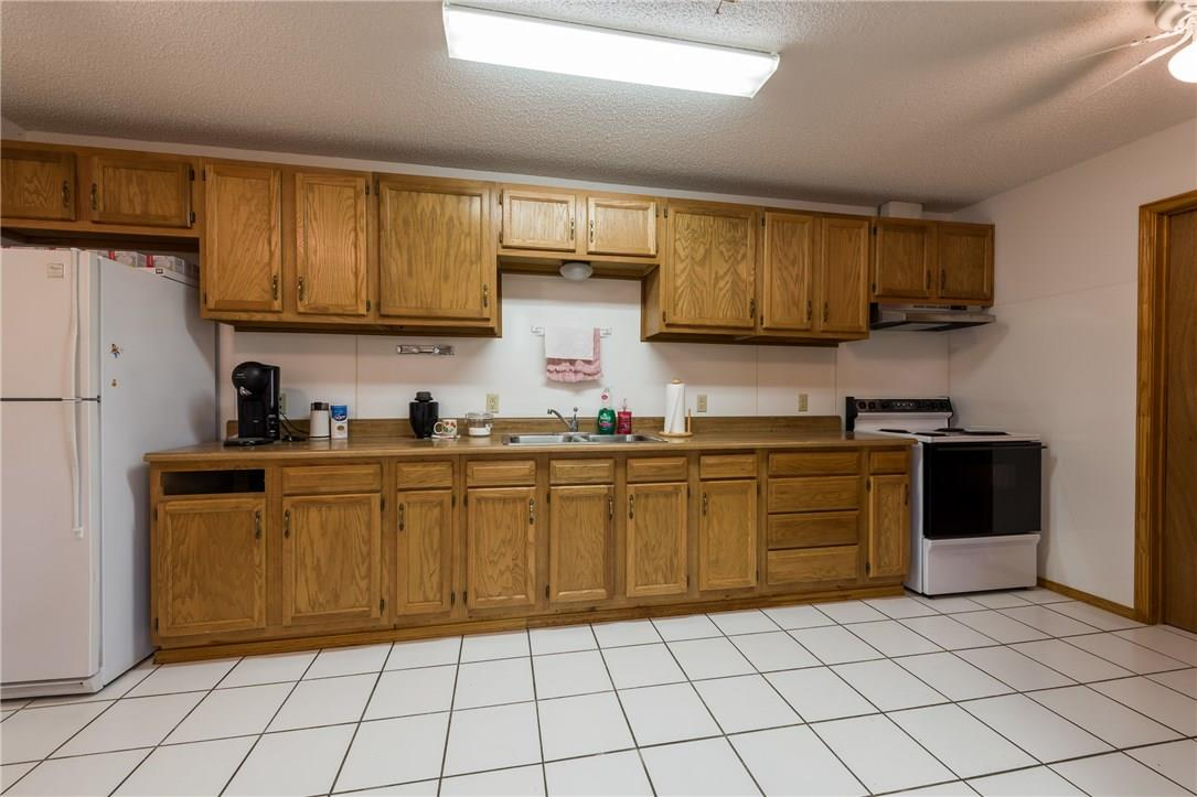 Closed   17408 Village Drive Dripping Springs, TX 78620 9
