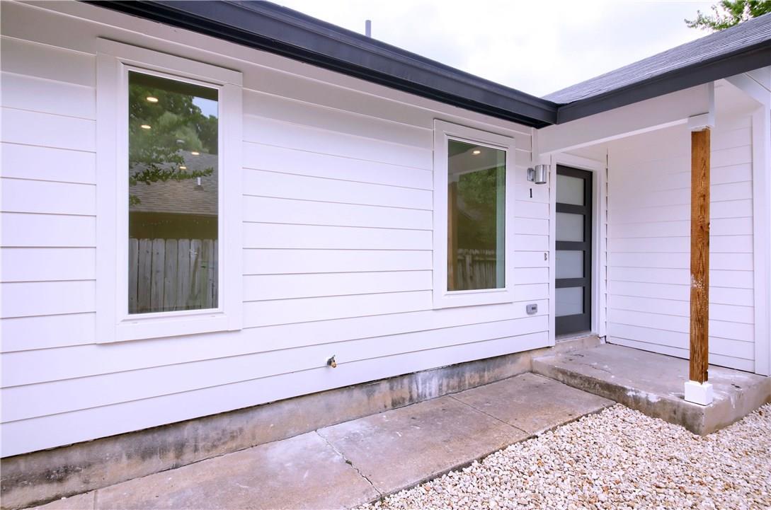 Closed | 7609 Carver Avenue #1 Austin, TX 78752 2