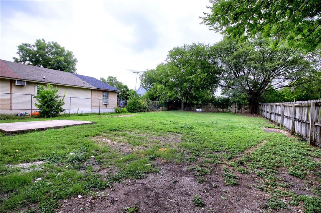 Closed | 7609 Carver Avenue #2 Austin, TX 78752 24