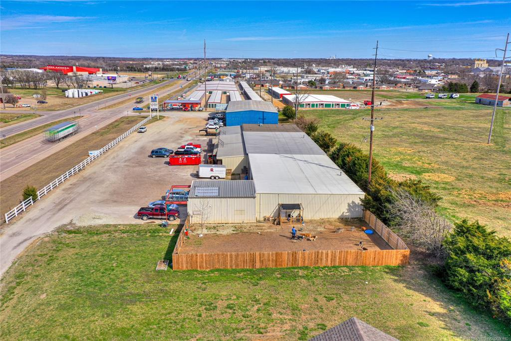 Active | 405 NW Richardson Loop Ada, Oklahoma 74820 3