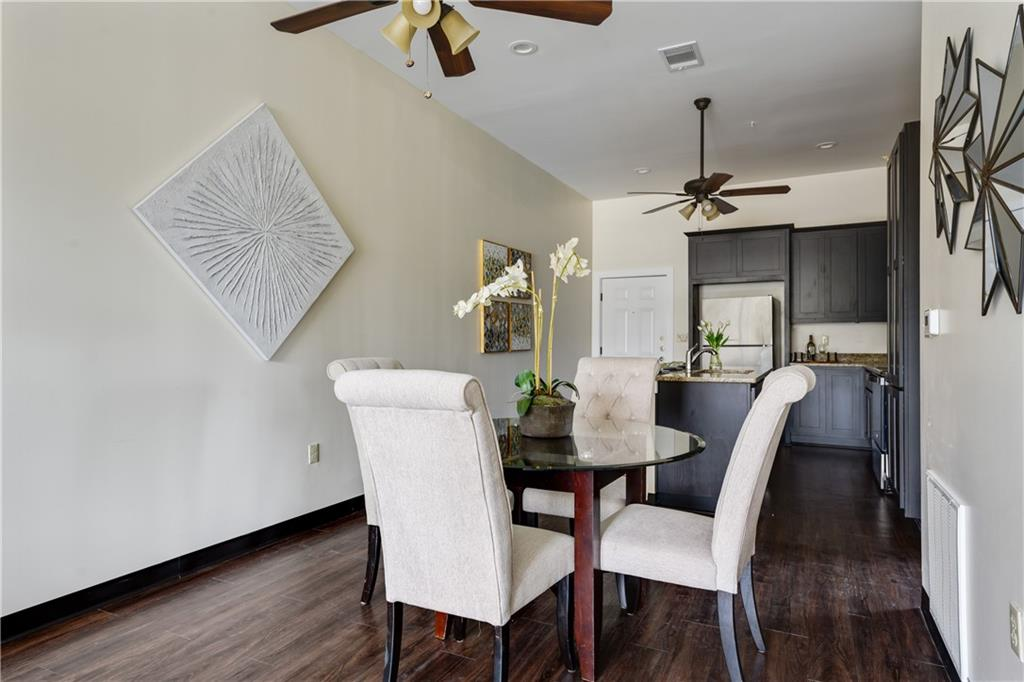 ActiveUnderContract | 609 E University Avenue #205 Georgetown, TX 78626 4