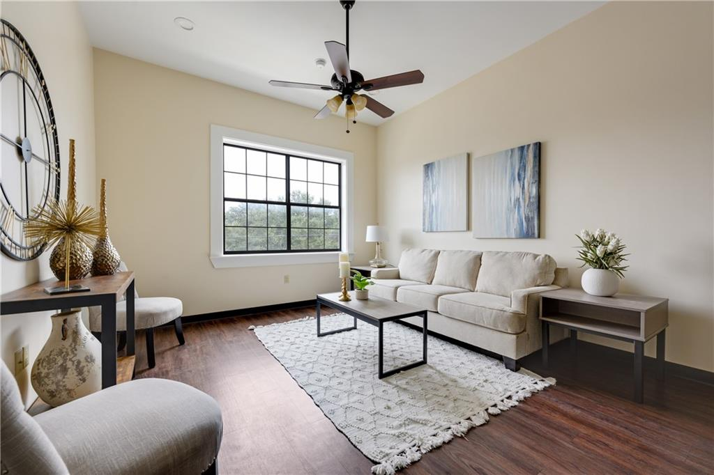 ActiveUnderContract | 609 E University Avenue #205 Georgetown, TX 78626 7
