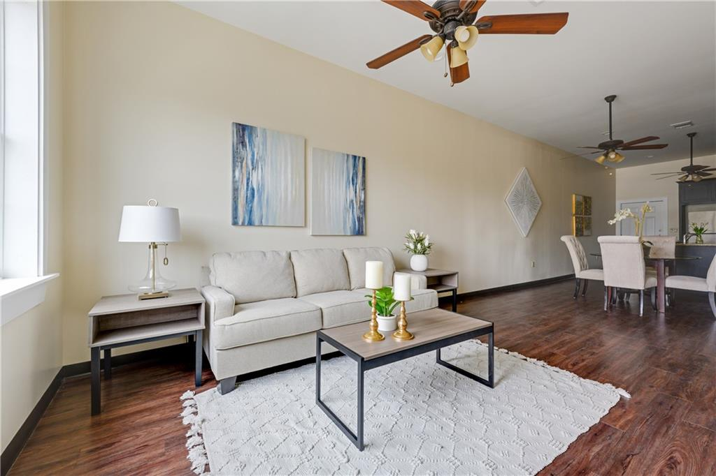 ActiveUnderContract | 609 E University Avenue #205 Georgetown, TX 78626 8