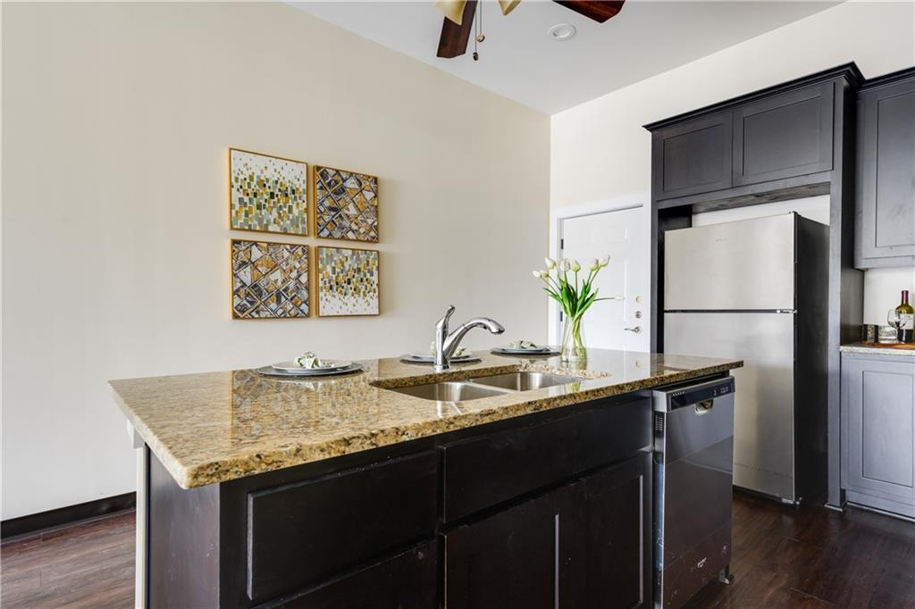 ActiveUnderContract | 609 E University Avenue #205 Georgetown, TX 78626 11