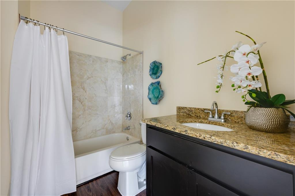 ActiveUnderContract | 609 E University Avenue #205 Georgetown, TX 78626 12