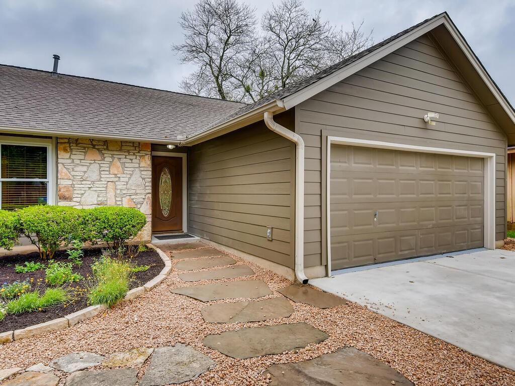 Active | 7803 Woodcroft Drive Austin, TX 78749 6