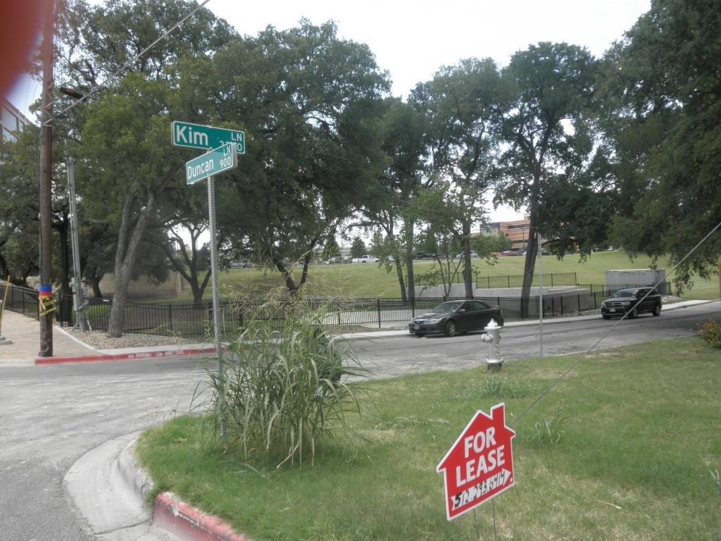 Active | 915 Duncan Lane Austin, TX 78705 26