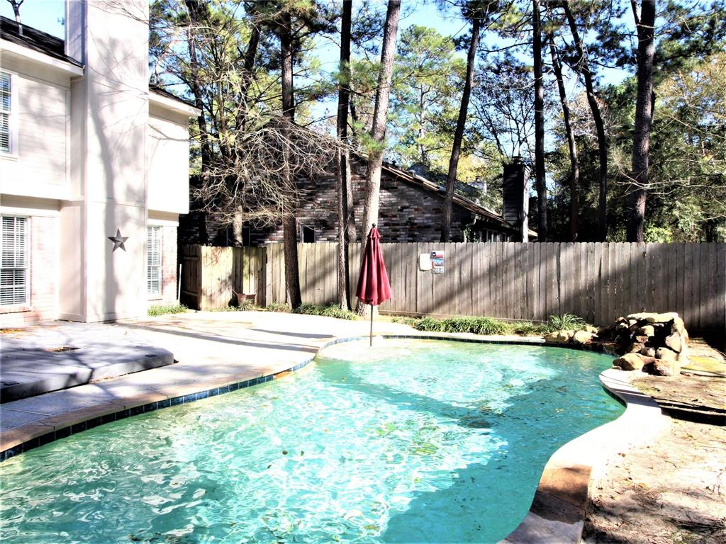 Off Market | 2 Summithill Place The Woodlands, Texas 77381 29
