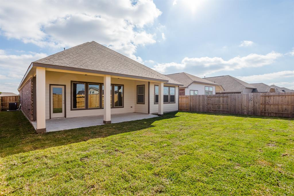 Off Market   2527 Bayrose Drive Texas City, Texas 77568 26