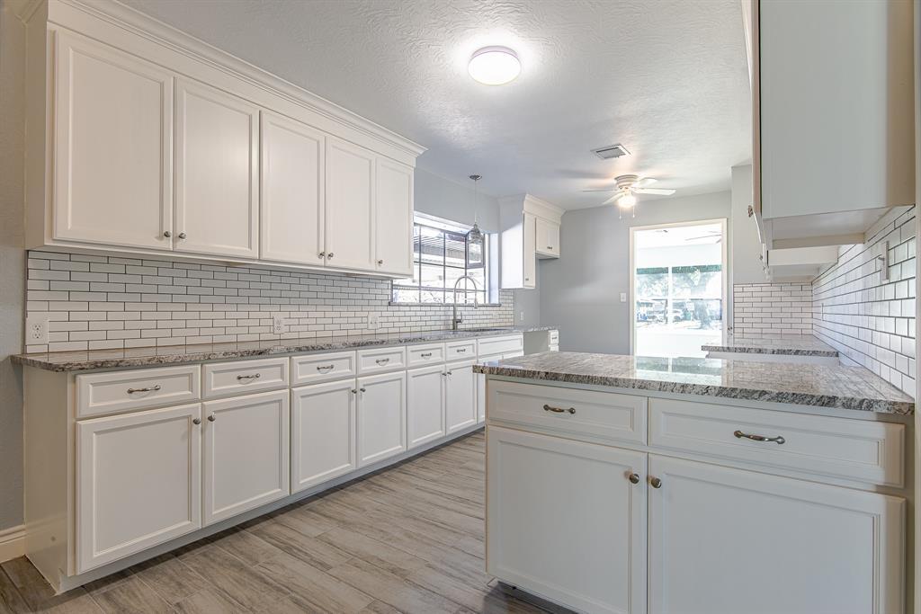 Pending | 404 Vince Street Pasadena, Texas 77506 9