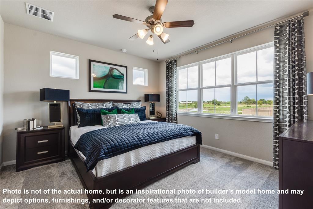 Pending | 5510 Holguin Hollow Street Houston, Texas 77023 7