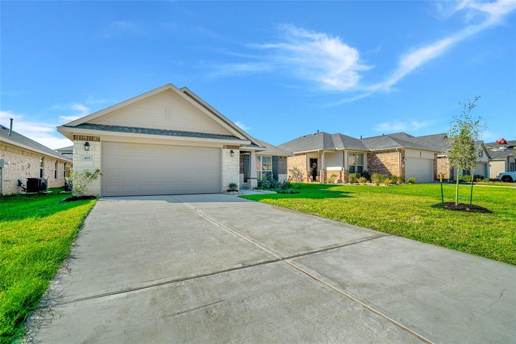 Active   415 Terra Vista Circle Montgomery, Texas 77356 3