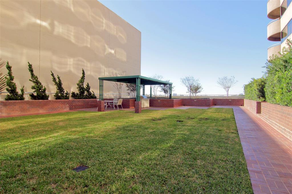 Active   5000 Montrose Boulevard #18A Houston, Texas 77006 21