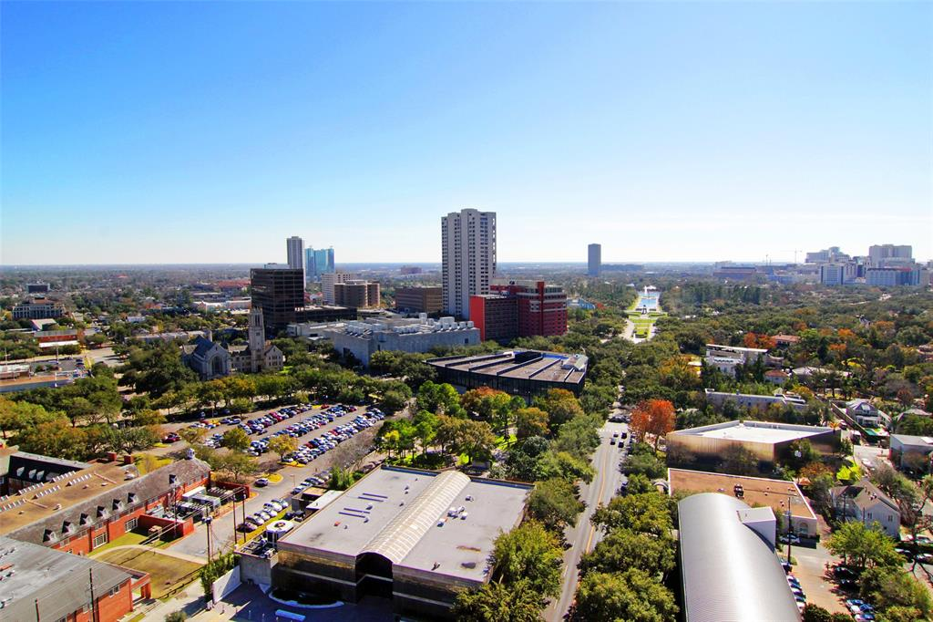 Active   5000 Montrose Boulevard #18A Houston, Texas 77006 27