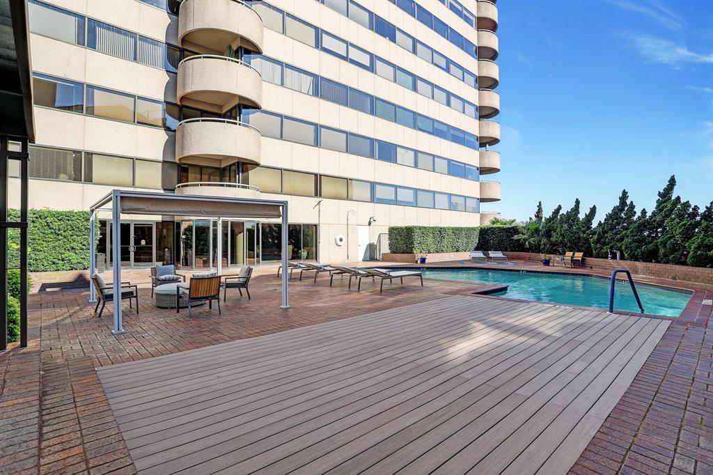Active   5000 Montrose Boulevard #18A Houston, Texas 77006 28