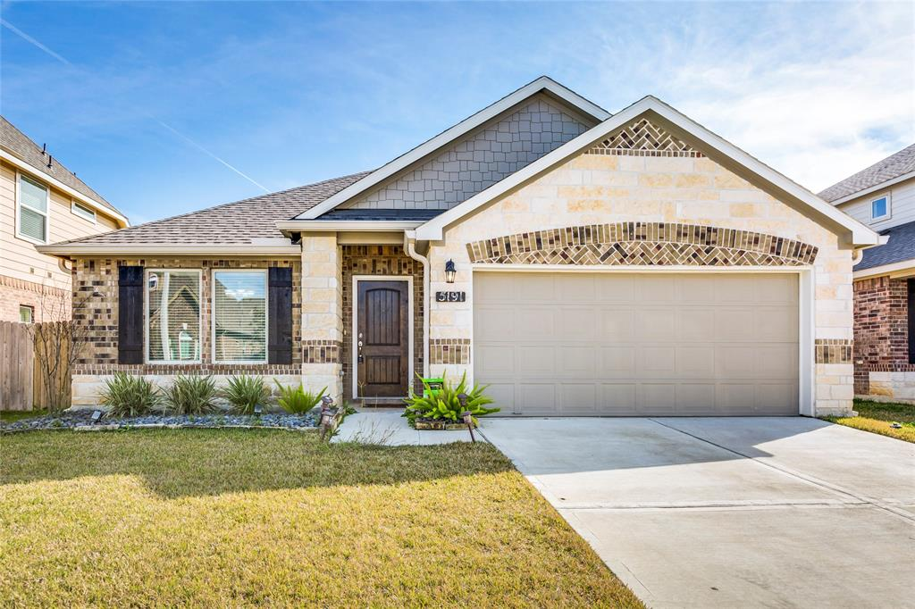Off Market   5191 Echo Falls Drive Alvin, Texas 77511 0