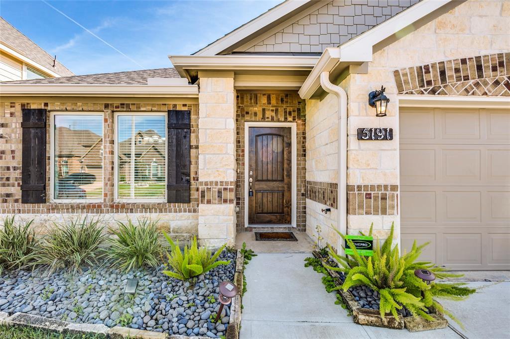 Off Market   5191 Echo Falls Drive Alvin, Texas 77511 2