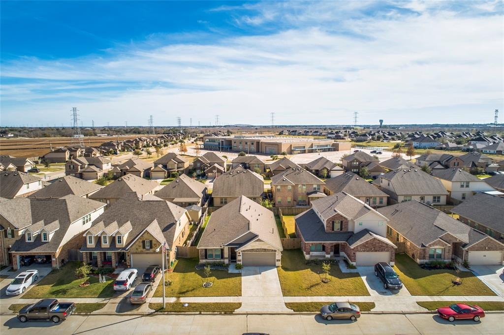 Off Market   5191 Echo Falls Drive Alvin, Texas 77511 36