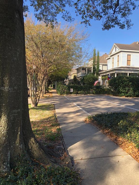Off Market | 312 Hawthorne Street #4 Houston, Texas 77006 27