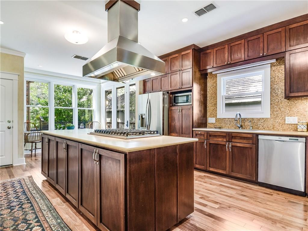 Closed | 3401 Fawn Trail Austin, TX 78746 6
