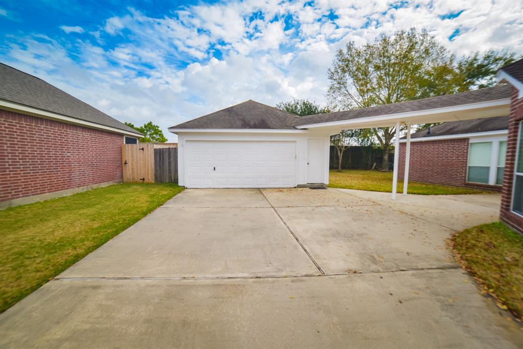 Off Market | 125 Bending Brook Lane Dickinson, Texas 77539 8
