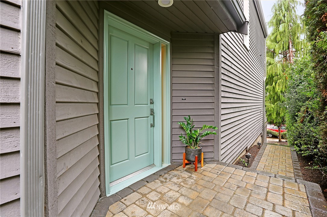 Sold Property | 7218 Sycamore Avenue NW Seattle, WA 98117 1