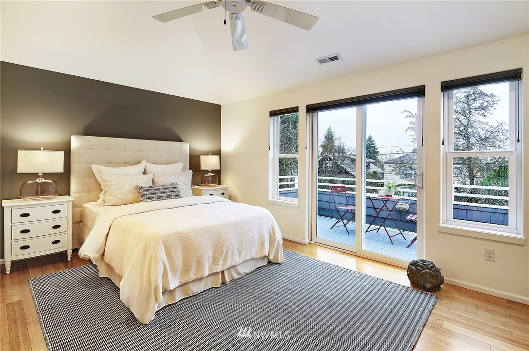 Sold Property | 7218 Sycamore Avenue NW Seattle, WA 98117 9