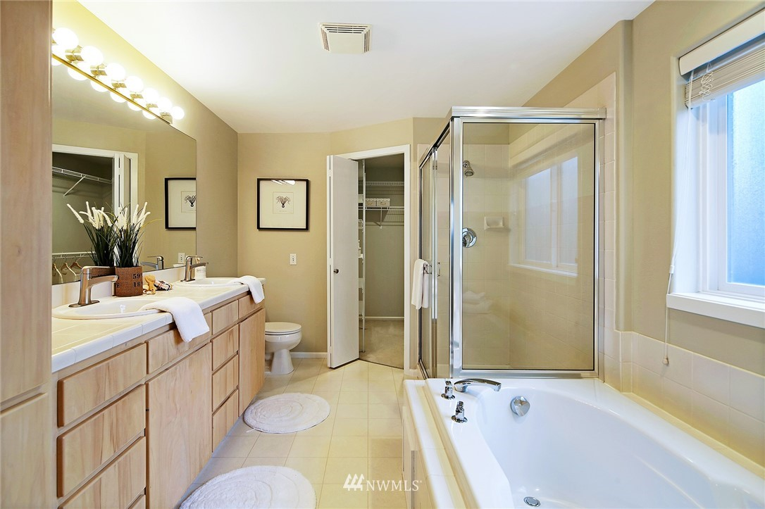 Sold Property | 7218 Sycamore Avenue NW Seattle, WA 98117 12