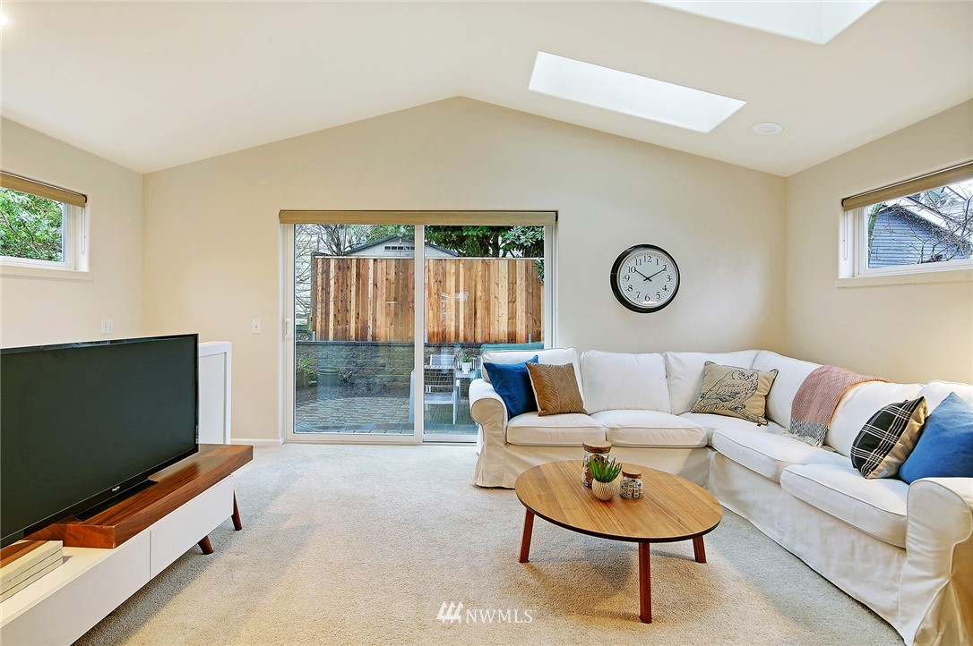 Sold Property | 7218 Sycamore Avenue NW Seattle, WA 98117 17