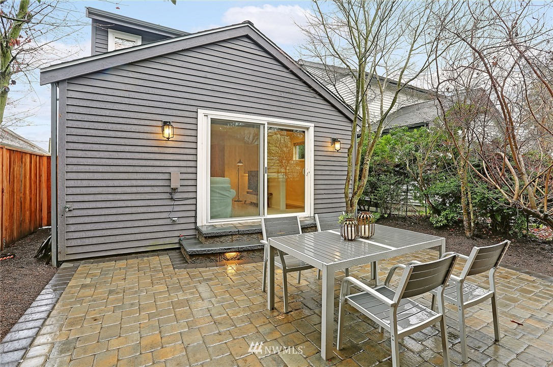 Sold Property | 7218 Sycamore Avenue NW Seattle, WA 98117 26