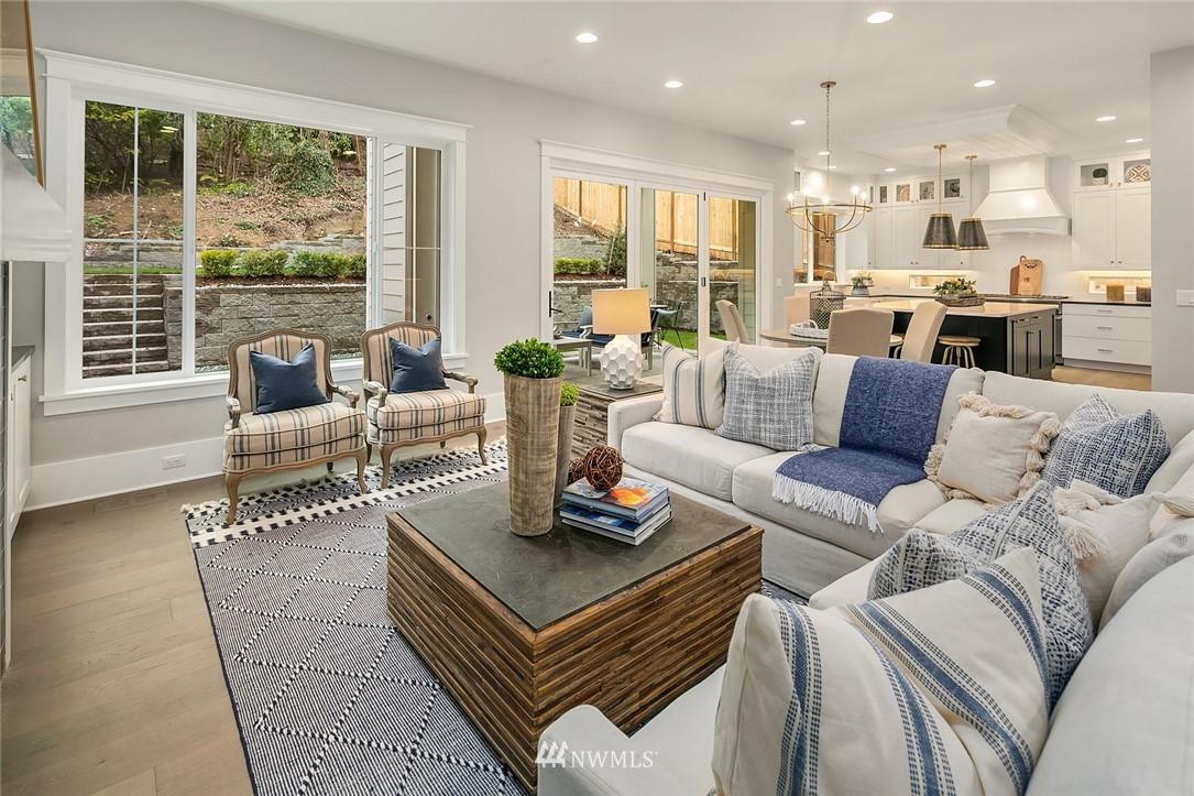 Sold Property | 6347 NE 61st Street Seattle, WA 98115 7
