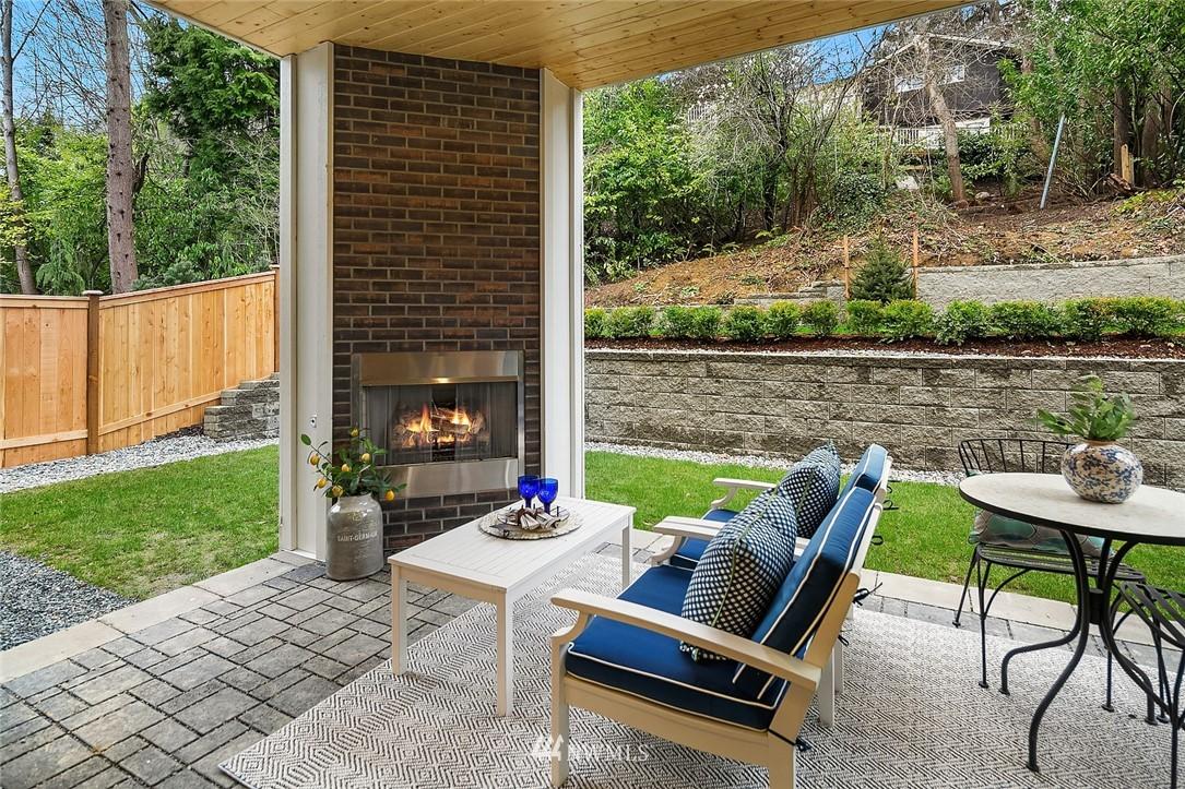 Sold Property | 6347 NE 61st Street Seattle, WA 98115 10