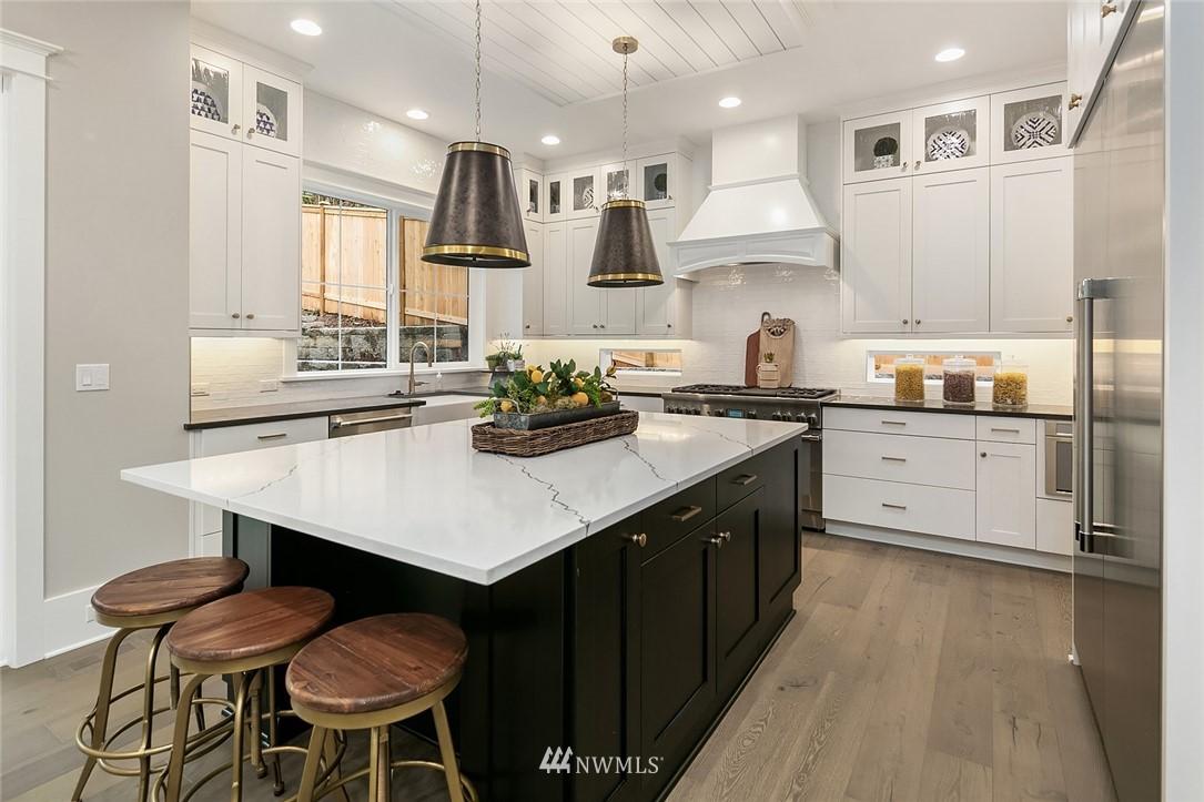 Sold Property | 6347 NE 61st Street Seattle, WA 98115 13