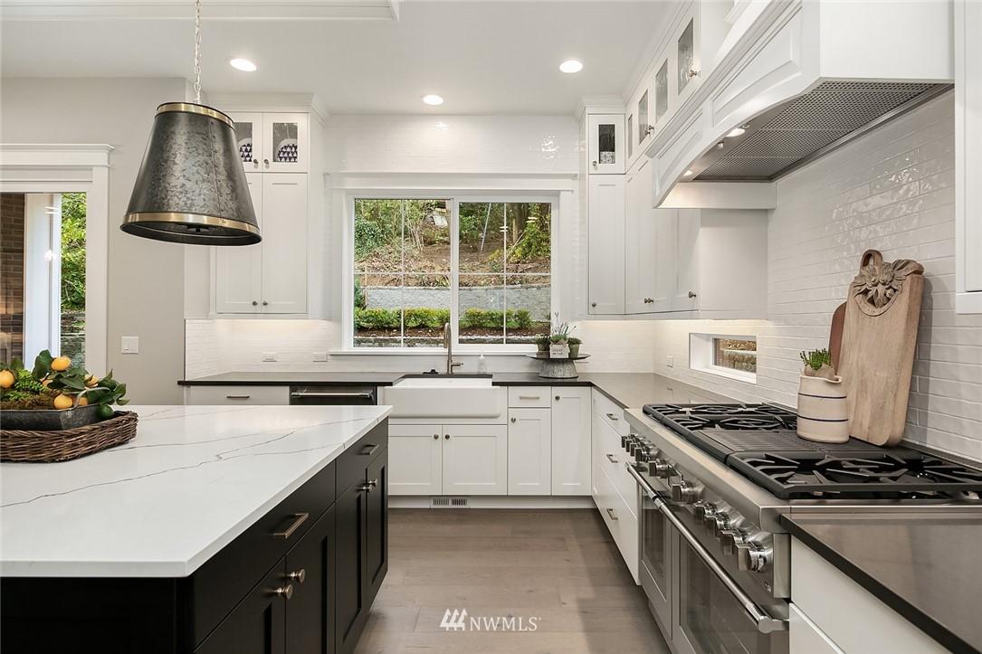 Sold Property | 6347 NE 61st Street Seattle, WA 98115 15