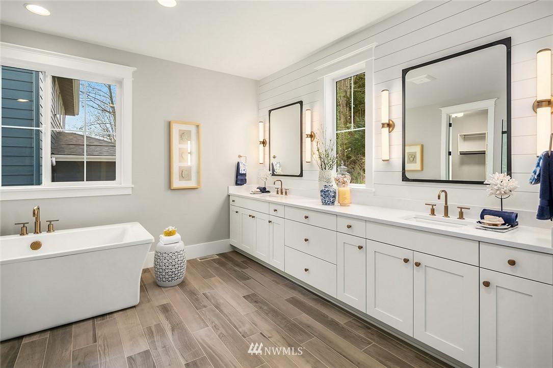 Sold Property | 6347 NE 61st Street Seattle, WA 98115 20